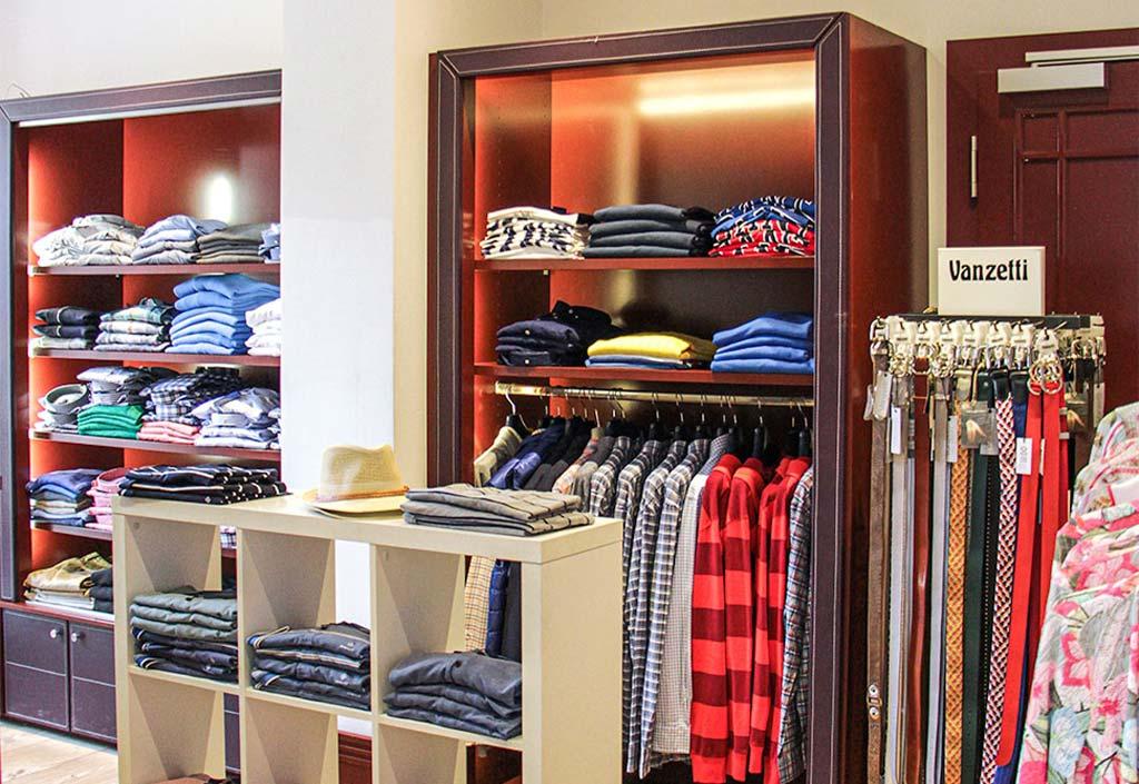 Elegante Kleidung und Accessoires