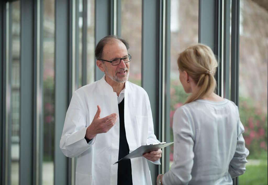 Dr. Hietkamp im Gespräch