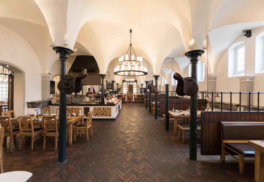 Einblick ins Restaurant Pferdestall