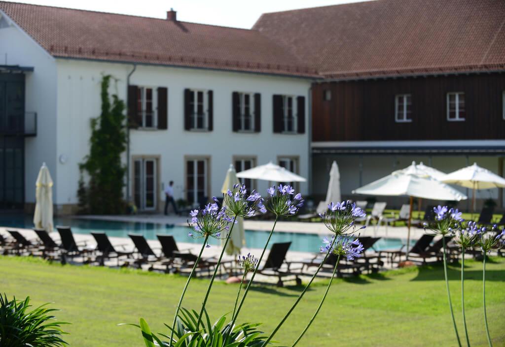 Außenbecken im Garten Spa vom Gräflichen Park Health and Balance Resort