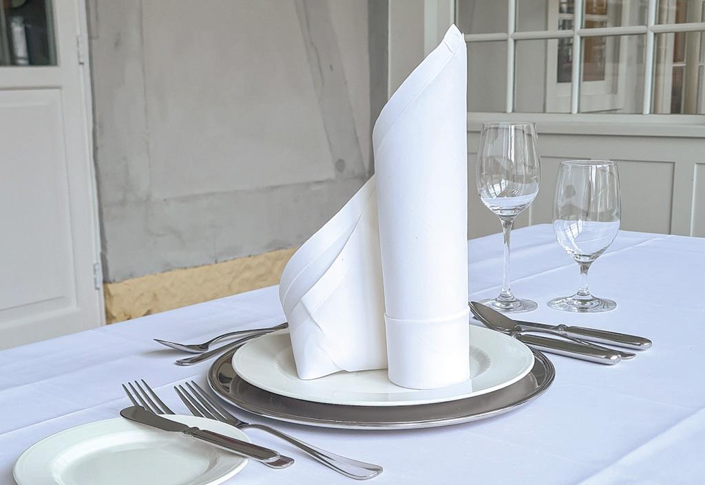 Tisch richtig eindecken