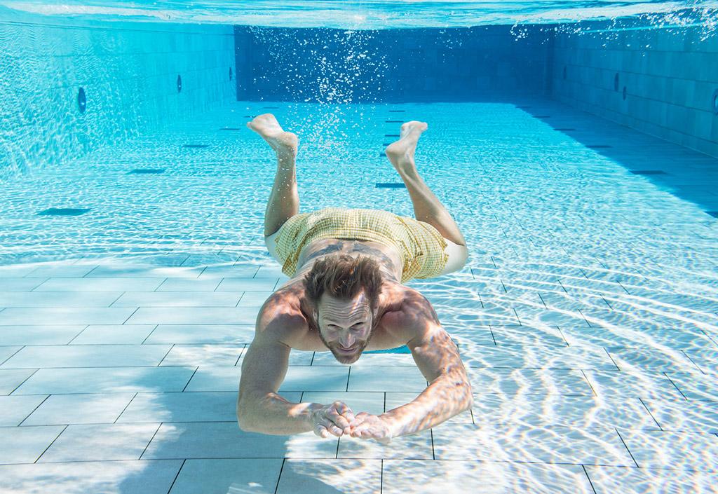 Schwimmen im Gräflicher Park Health & Balance Resort