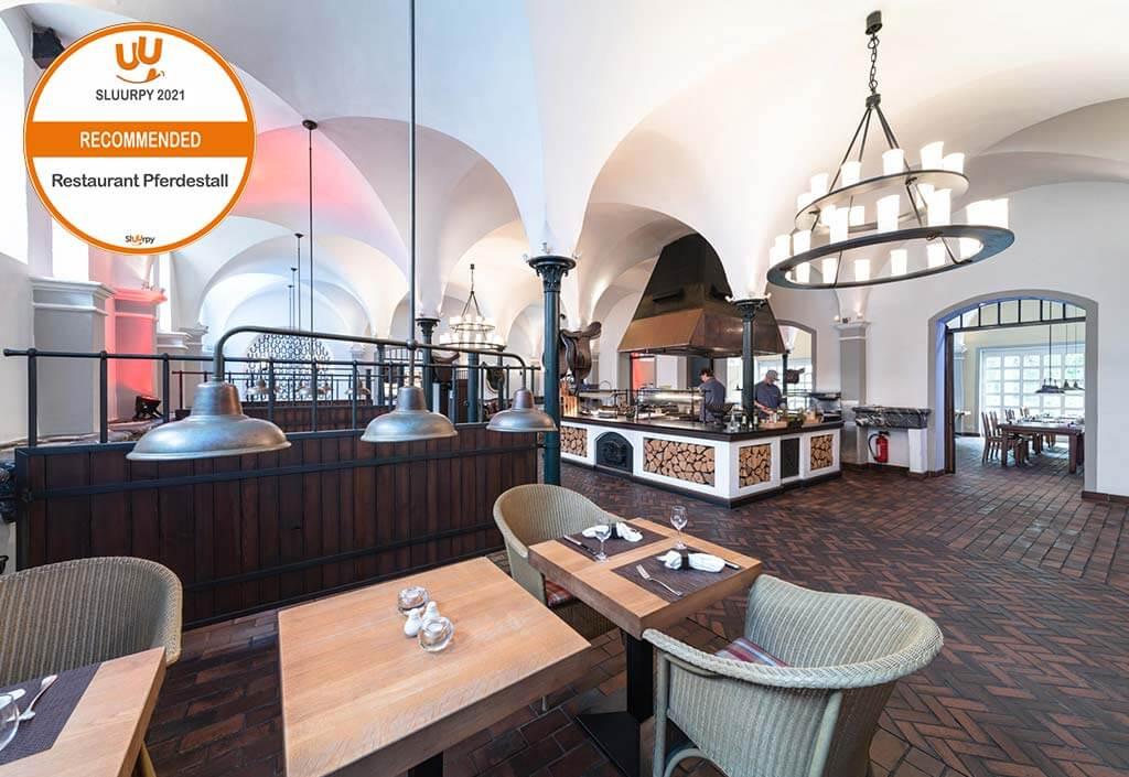 Gräflicher Park Health Resort Hotel Restaurant Pferdestall Innenansicht Siegel SLUURPY 2021