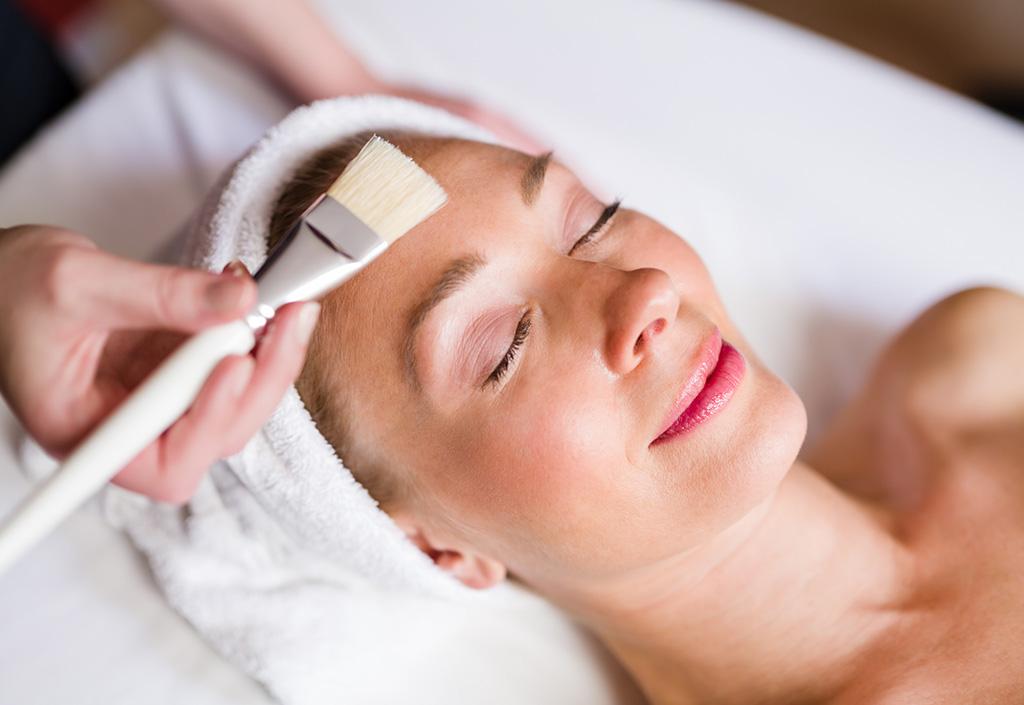 Gesichtsbehandlungen und Beautytreatments im Spa