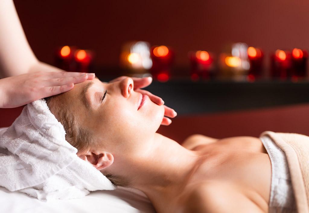 graeflicher-park-health-resort-hotel-spa-gesichtsmassage