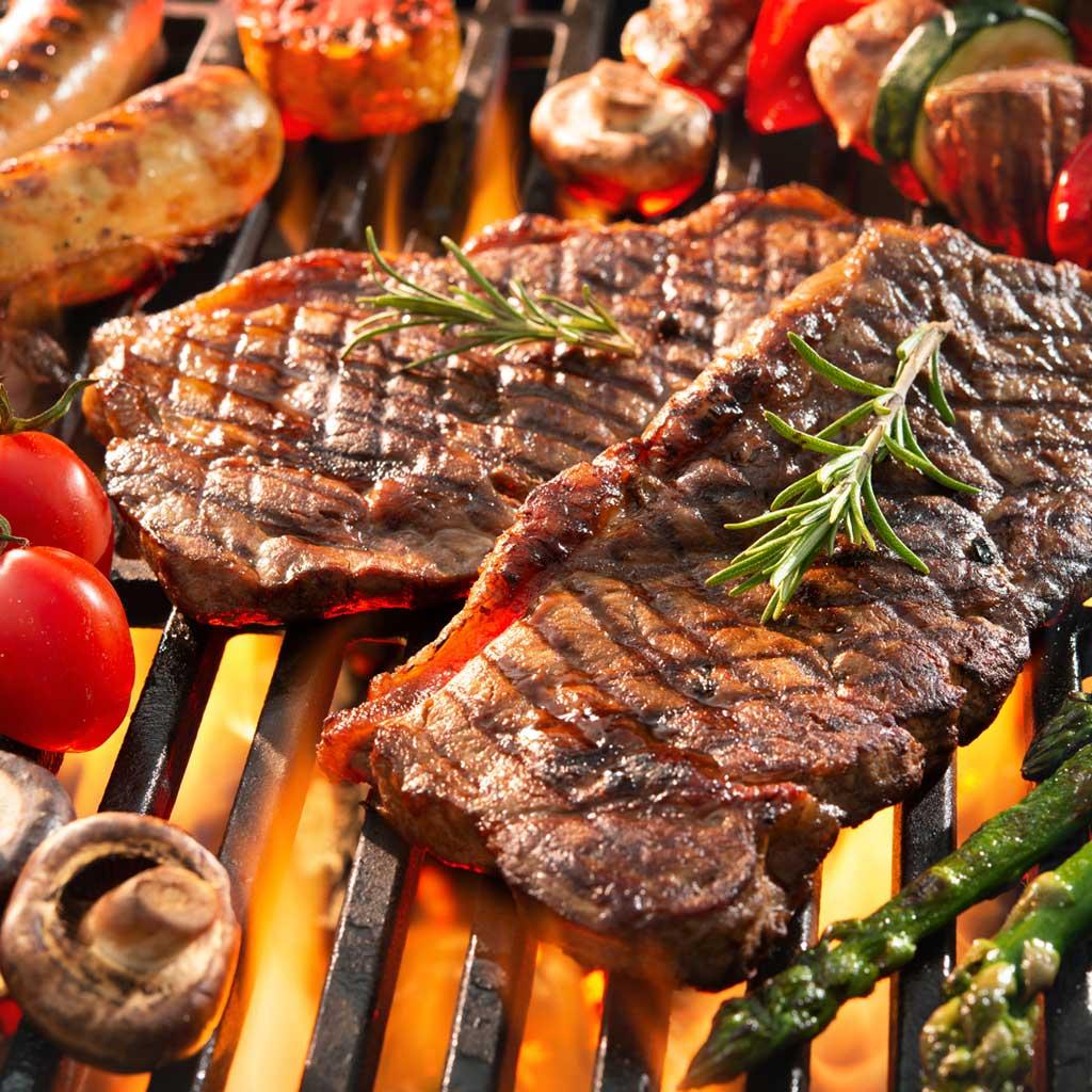 Grillfleisch mit Gemüse
